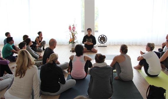 Inside Yoga Teacher Training 200h Young-Ho Kim Academy athayoga