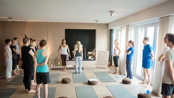 Yoga für Einsteiger und Abfänger