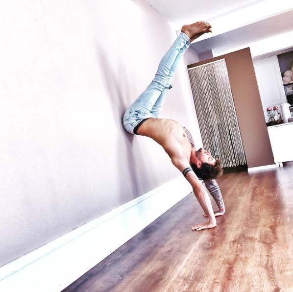 Functional Yoga with BLACKROLL & BLOCKS