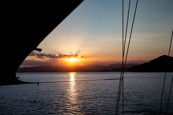 yogacruise sunset